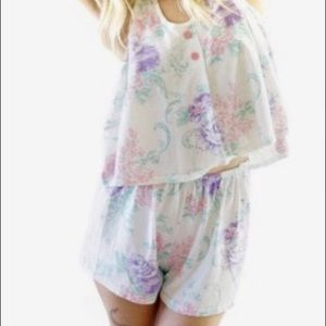 Other - Adorable floral two piece